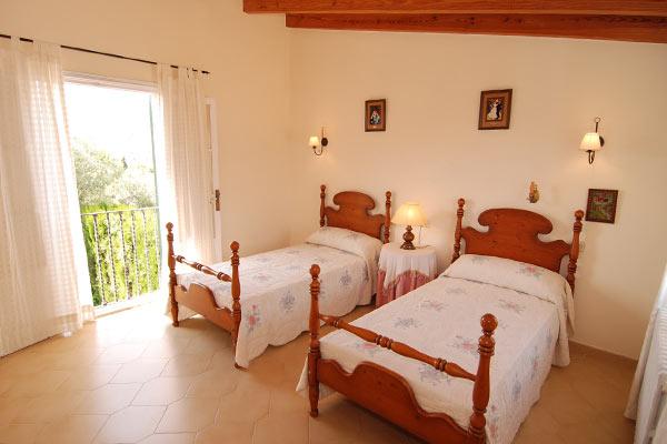bunyola-bedroom-2