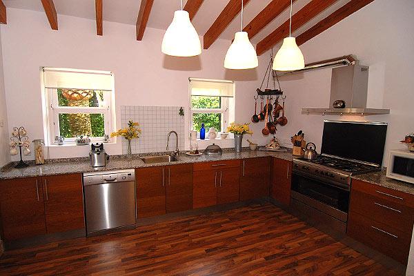 bunyola-kitchen