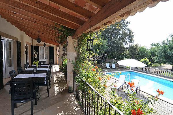 bunyola-terrace-and-pool